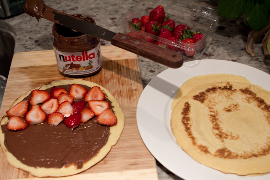 Preparing Nutella Crepes (photo: R Marinho)